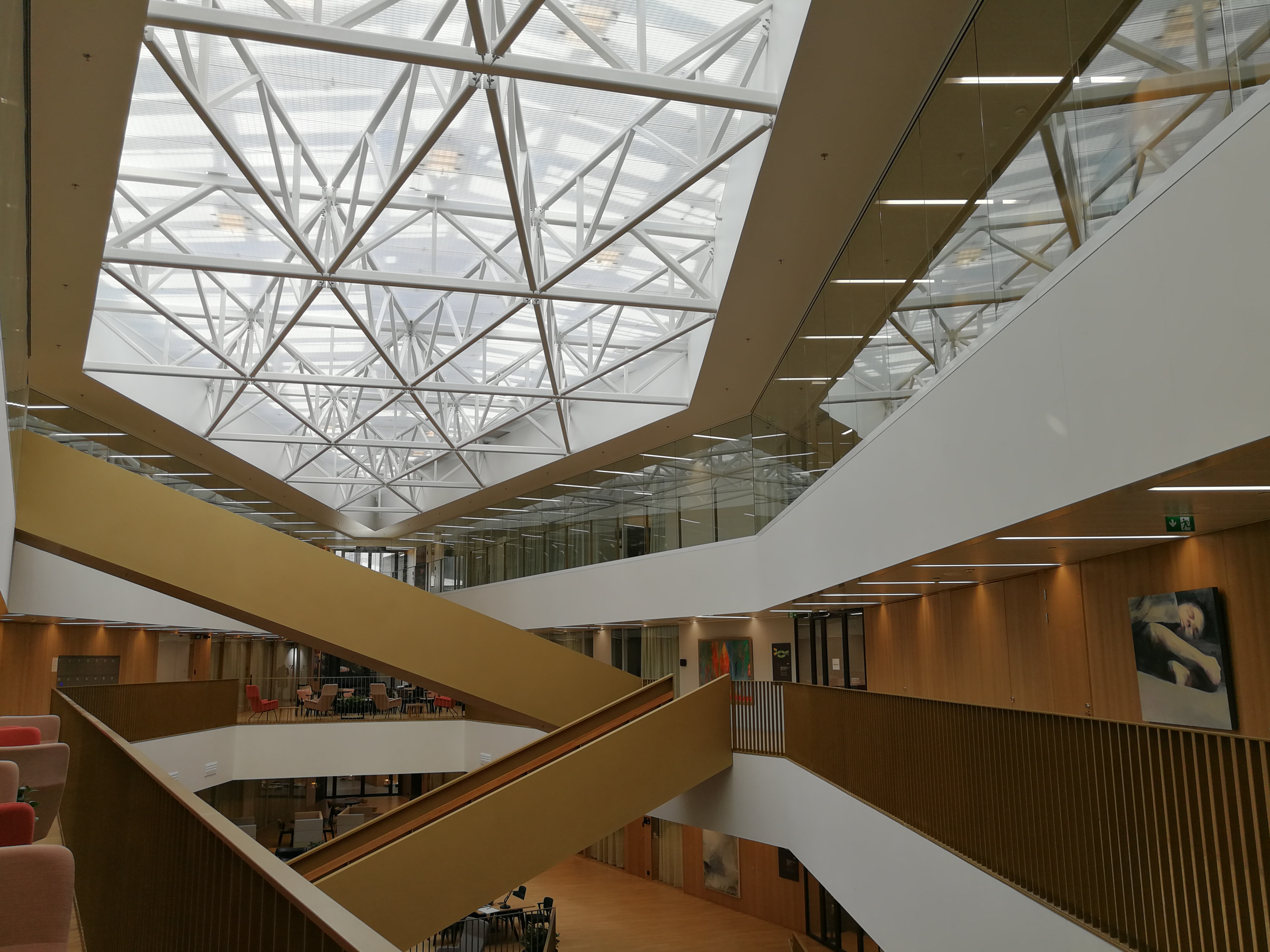 Ekonominaukio lobby 2nd floor